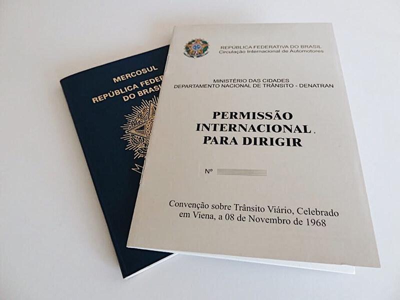 PID (Permissão Internacional para Dirigir) e passaporte