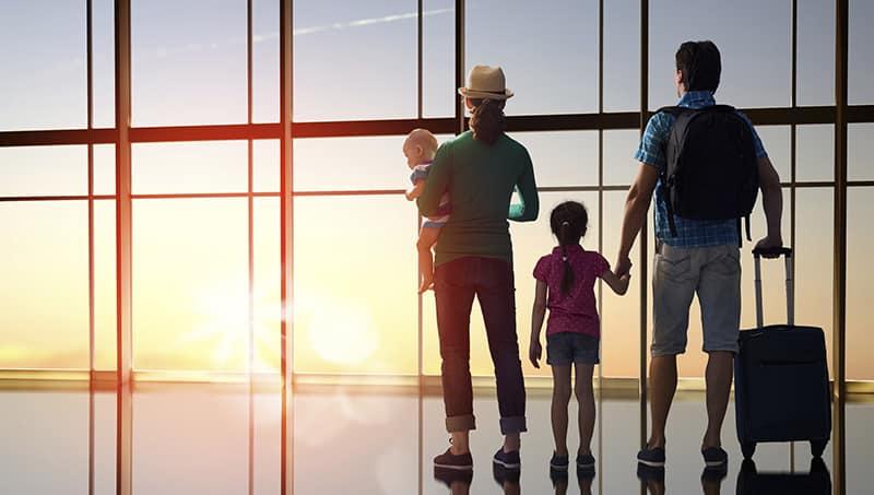 Família no aeroporto
