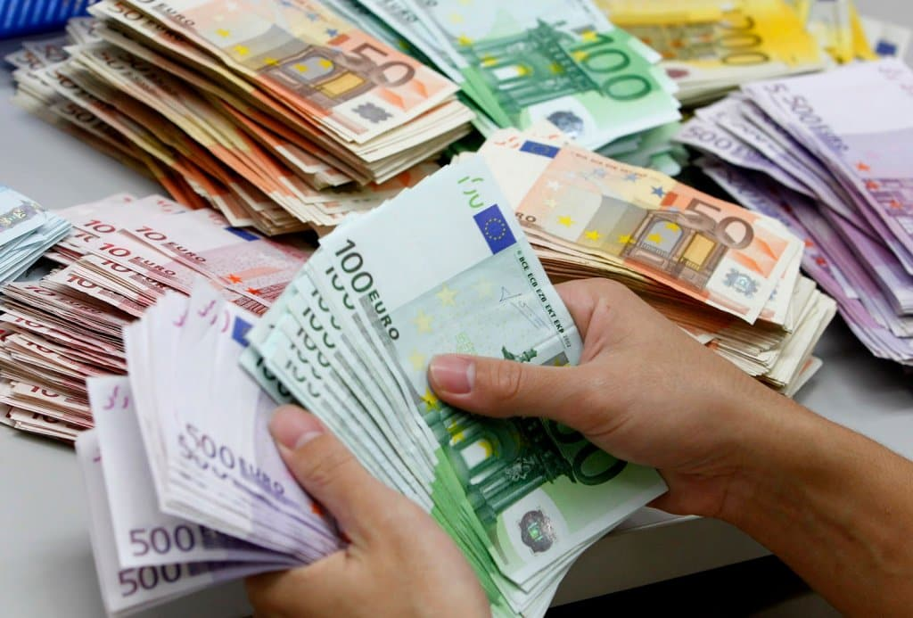 Euros em espécie na Itália