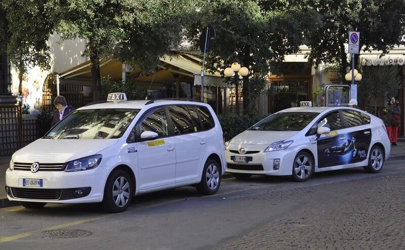 Se locomover de táxi em Florença