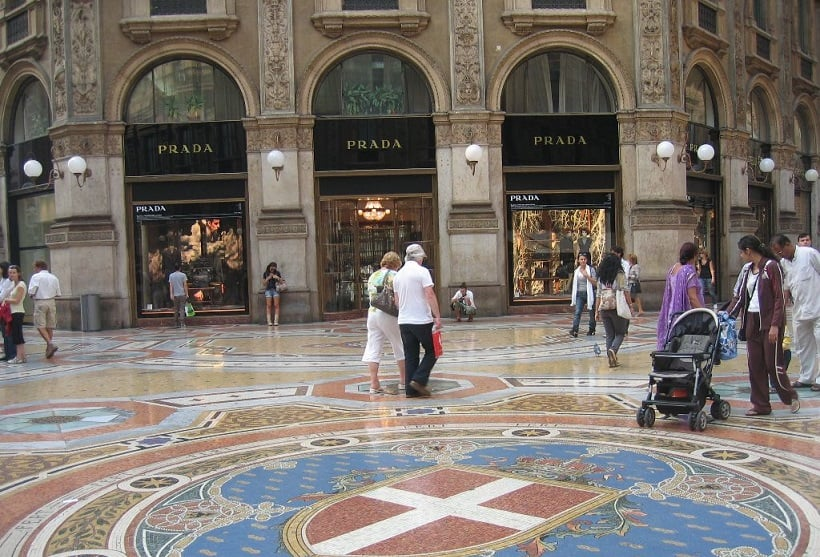 Compras na Galeria Vittorio Emanuele II em Milão
