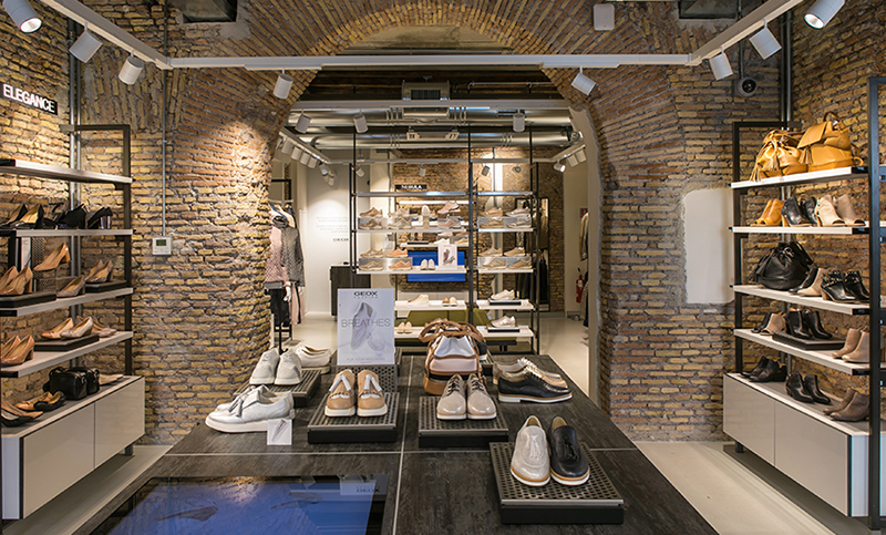 Loja Geox na Via Calimala em Florença