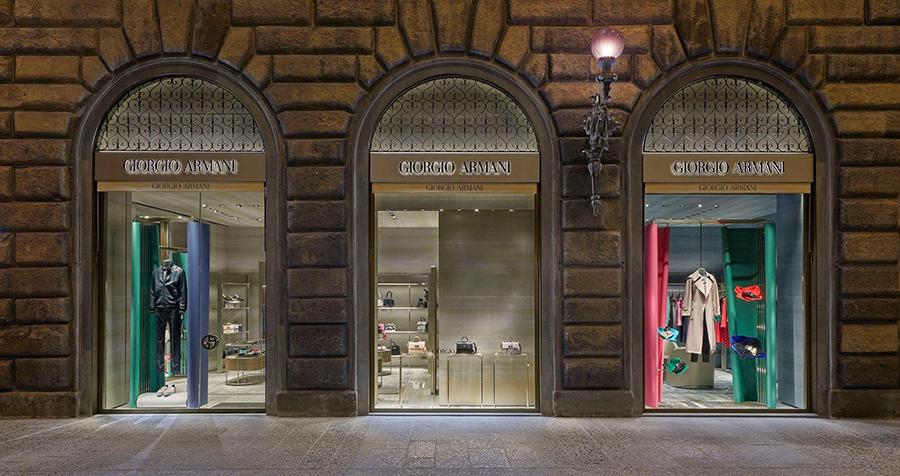 Loja Armani na Via Strozzi em Florença