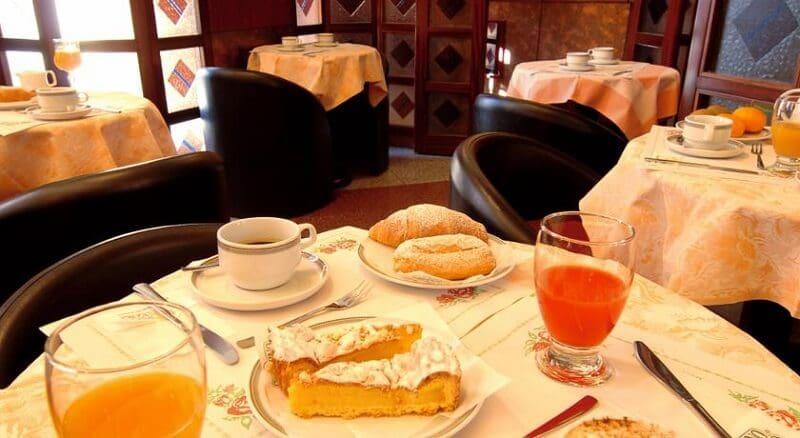 Hotel Mistral na zona turística em Milão
