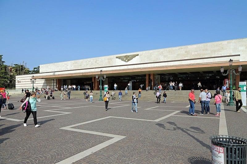 Estação Venezia Santa Lucia em Veneza