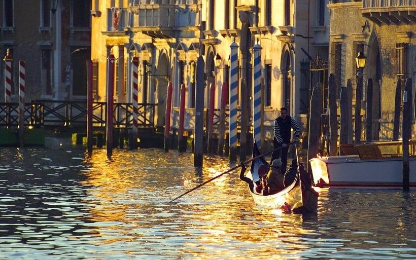 Tour de embarcações em Veneza
