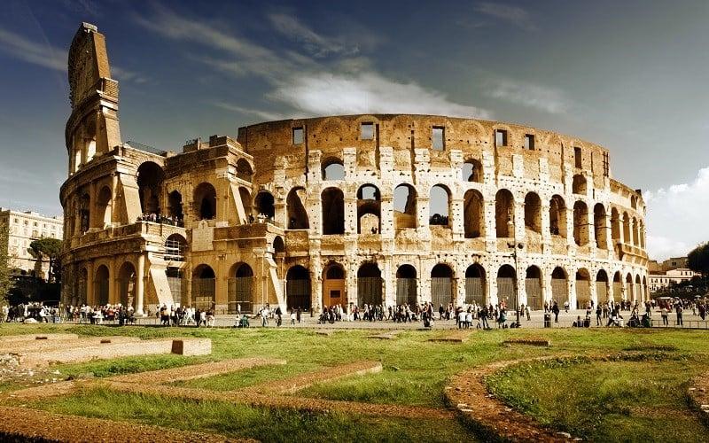 Dirigir em Roma e na Itália