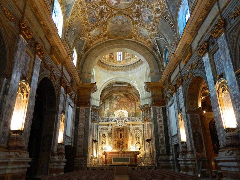 Igreja do Jesus Novo em Nápoles