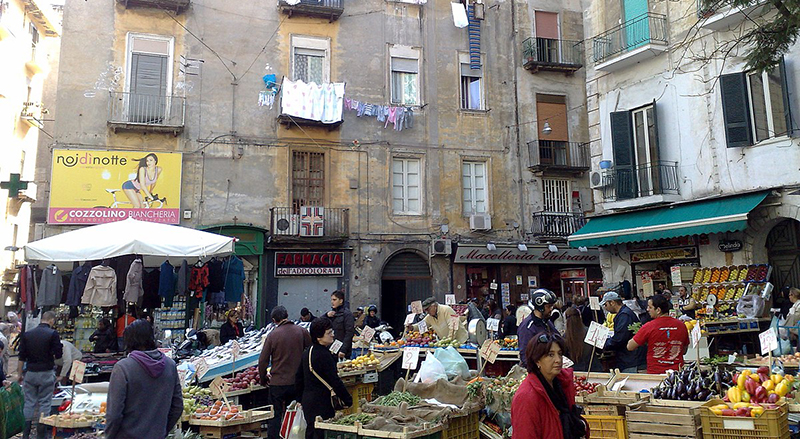 Mercado Pignasecca em Nápoles