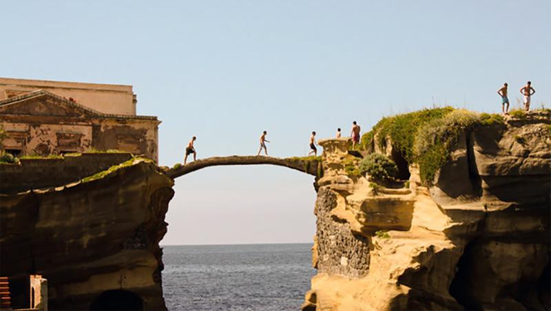 Ponte La Gaiola em Nápoles