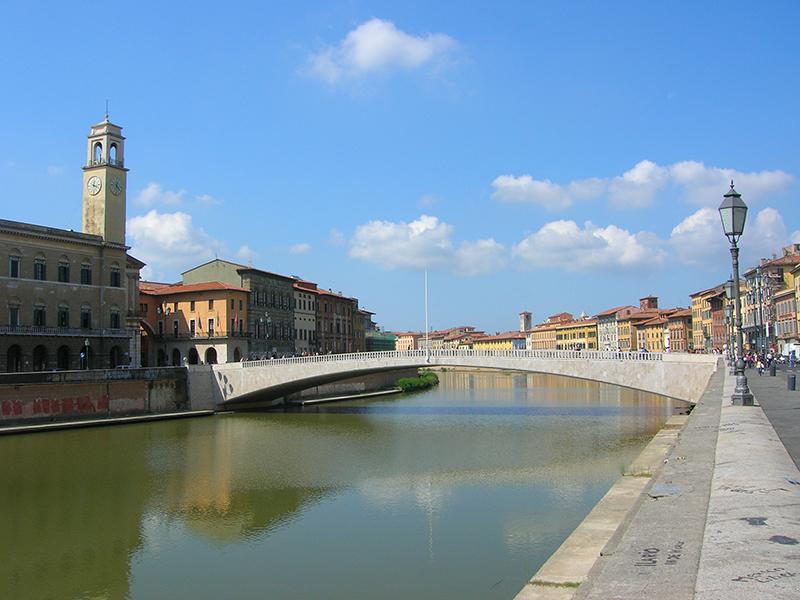 Ponte di Mezzo em Pisa
