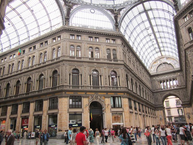 Galleria Umberto I em Nápoles