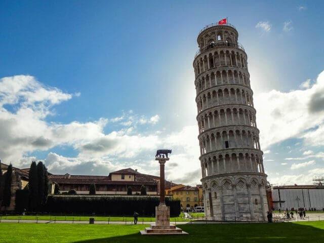 Viagem de trem de Milão a Pisa
