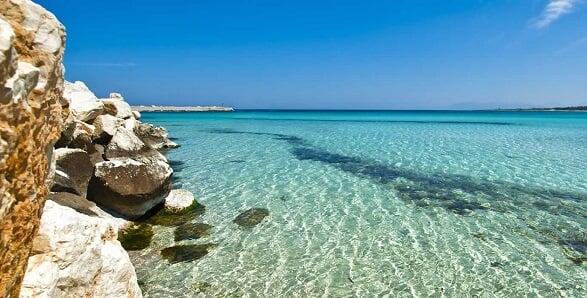 Praia San Vito lo Capo no sul da Itália