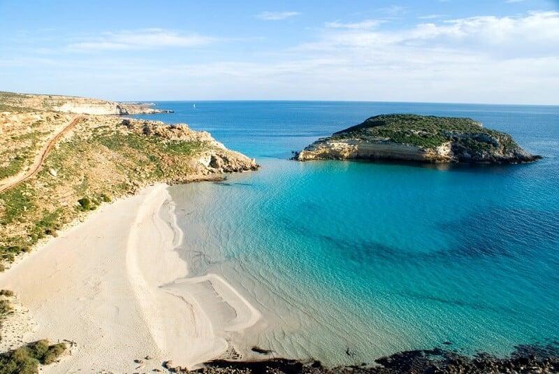 Spiaggia dei Conigli em Sicília na Itália