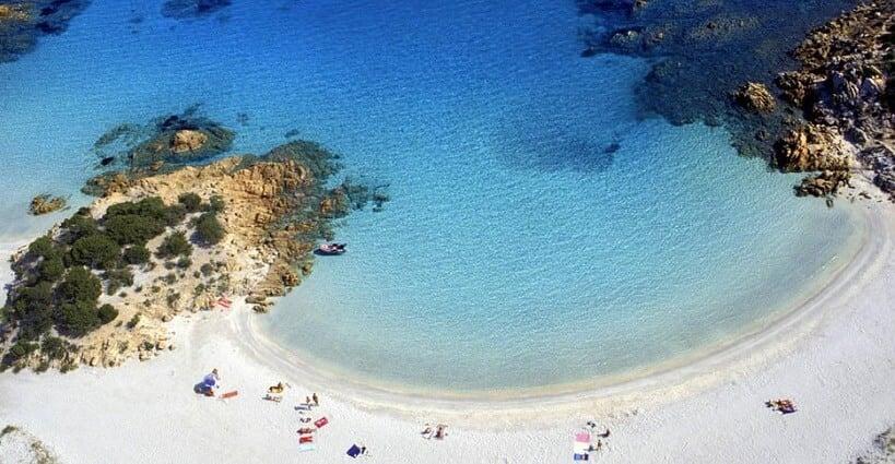 Vista da Costa Esmeralda em Sardenha