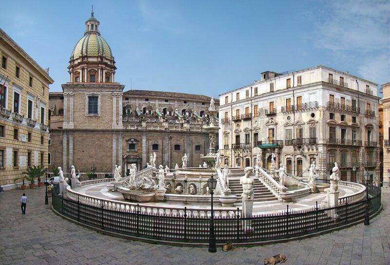 Piazza Pretoria em Palermo
