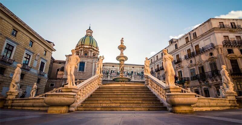 Fontana Pretoria em Palermo na Itália