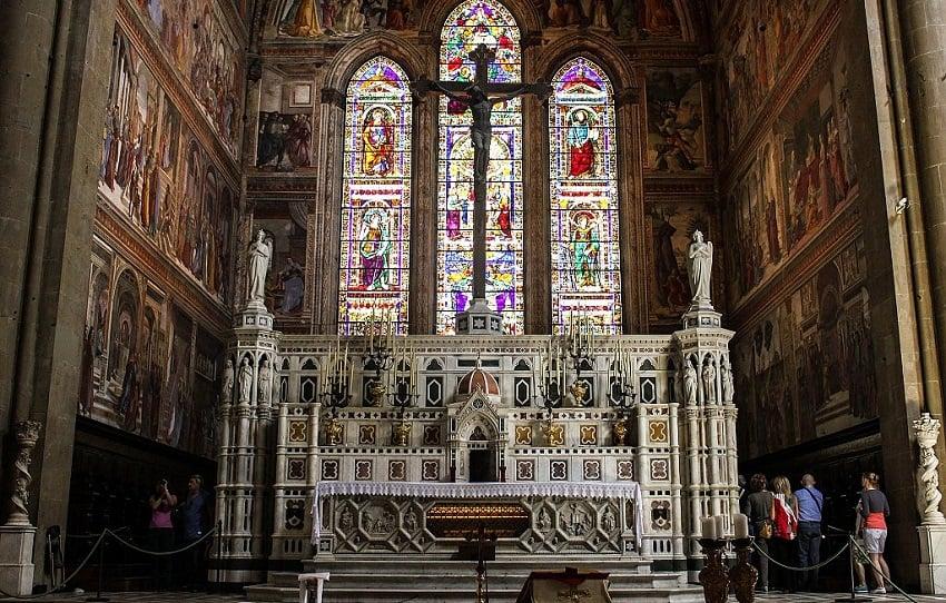 Crucifixo de Brunelleschi na igreja Santa Maria Novella em Florença