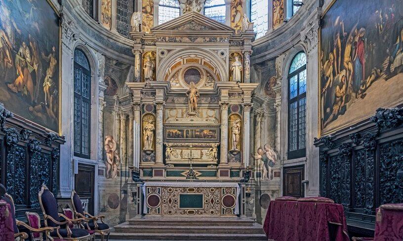Interior da Igreja de São Roque em Veneza