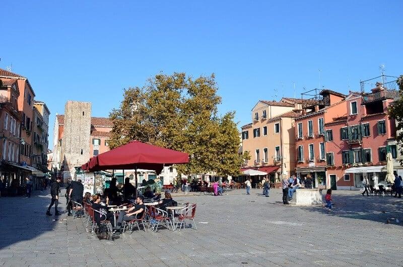 Campo Santa Margherita no Dorsoduro em Veneza