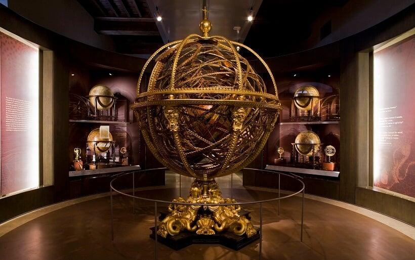 Esfera armilar exposta no Museo Galileo em Florença