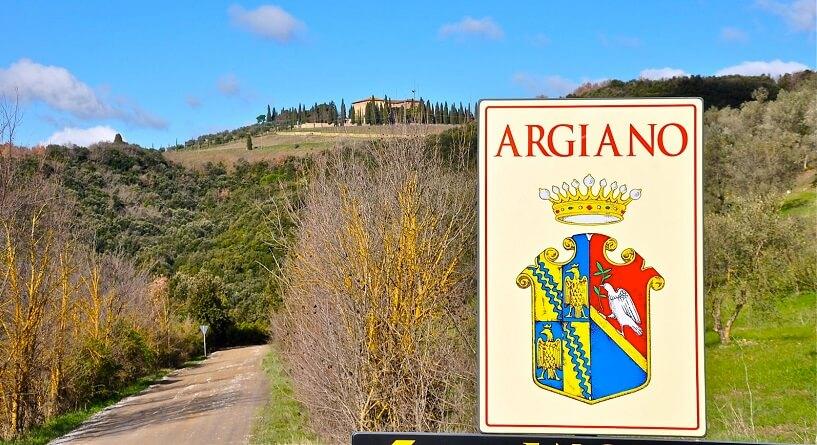 Entrada da vinícola Argiano em Montalcino