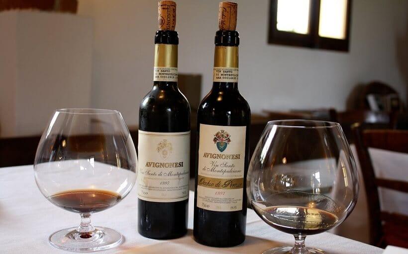Garrafas de vinho produzidas na vinícola Avignonesi