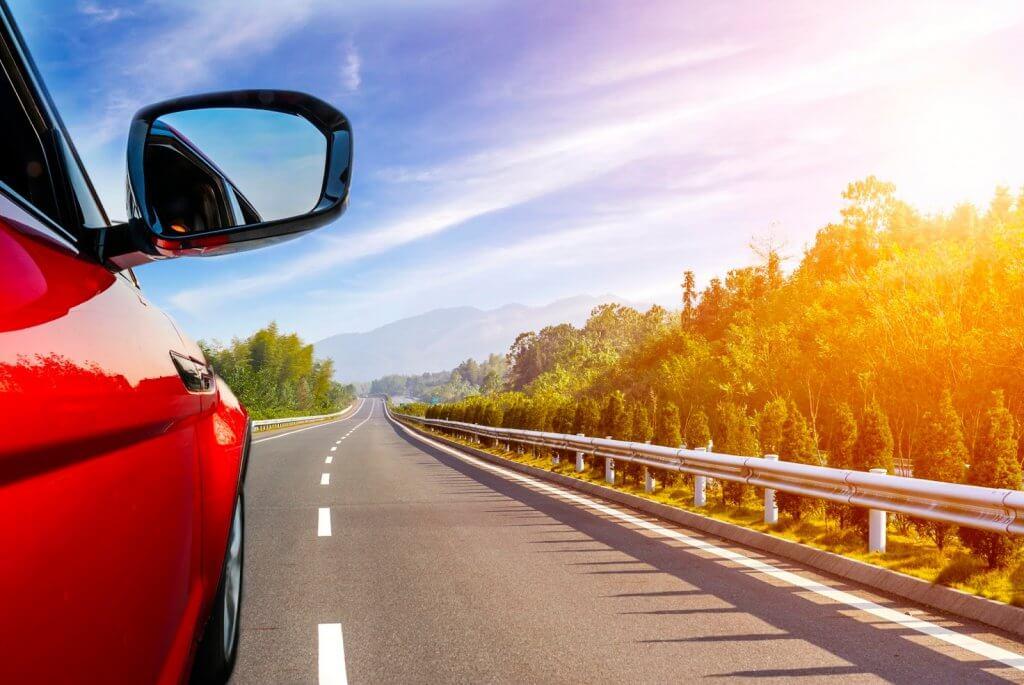 Carro em estrada