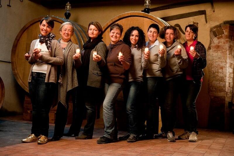 Equipe feminina que trabalha na Casato Prime Donne