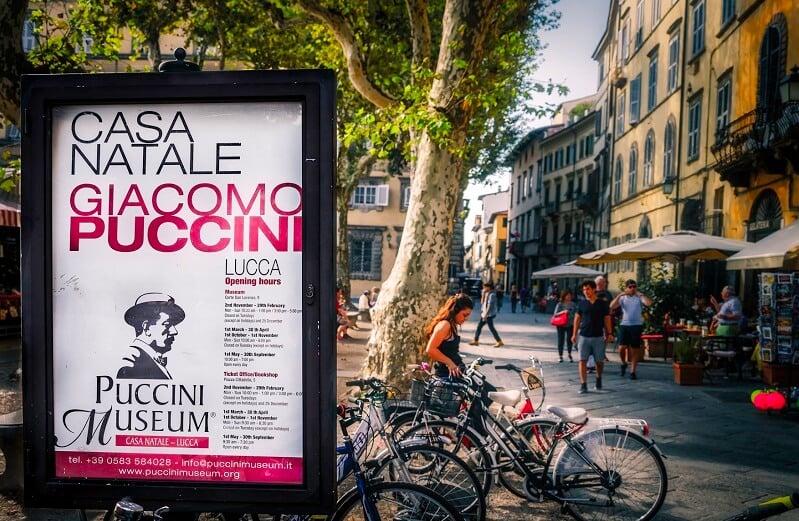 Anúncio do Puccini Museum em Lucca