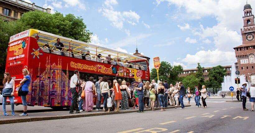 Ingressos para o passeio de ônibus Hop on Hop off em Milão