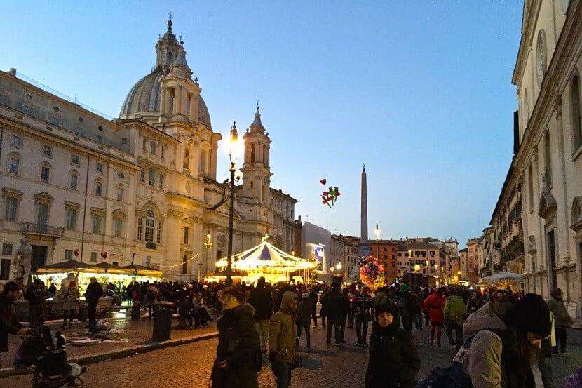 Entardecer na Piazza Navona em Roma
