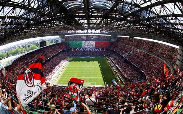 Estádio San Sira em dia de jogo