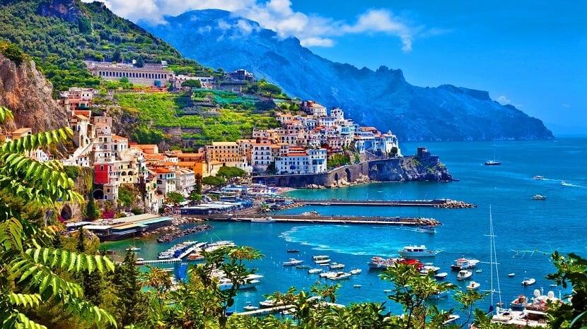 Vista panorâmica do Lago de Como na Itália