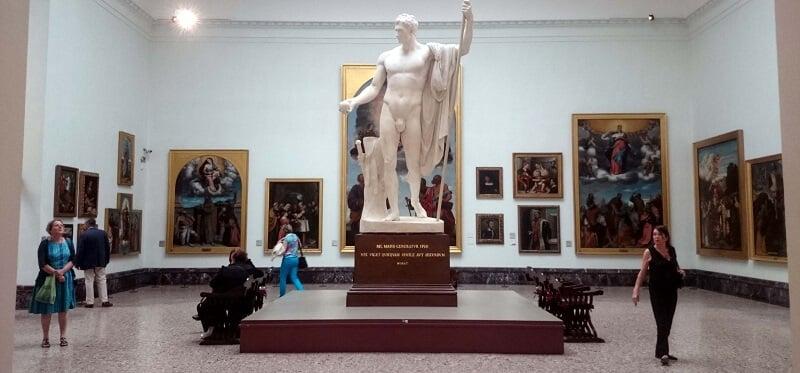 Interior da Pinacoteca de Brera em Milão
