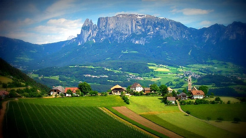 Montanhas de Dolomiti e Renon