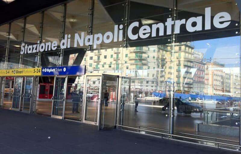 Estação Central de Nápole
