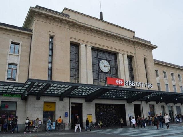 Viagem de trem de Milão a Genebra