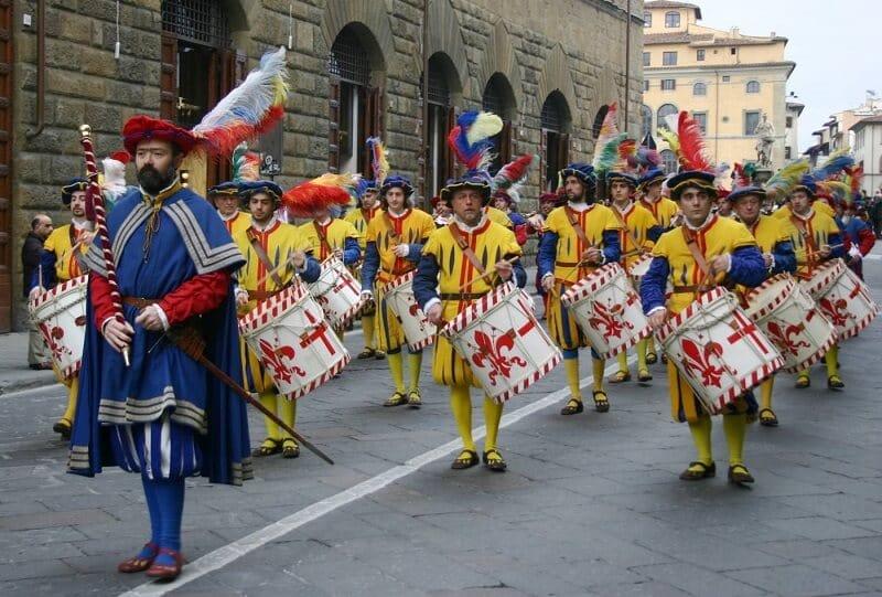 Desfile do corteo storico em Florença