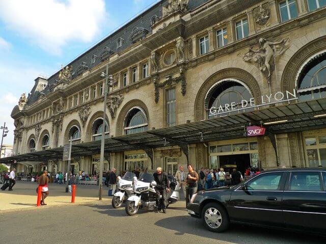 Viagem de trem de Turim a Paris