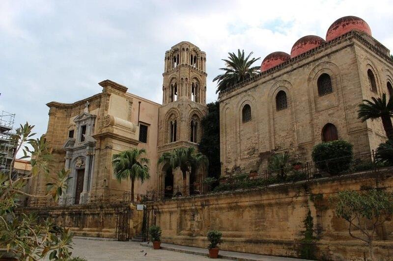 Igreja Santa Maria dell'Ammiraglio em Palermo na Itália