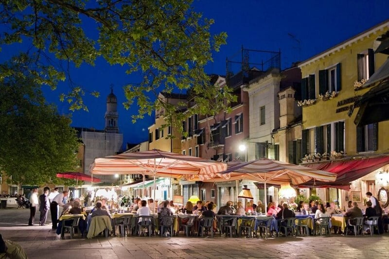 Campo di Santa Margherita em Veneza na Itália