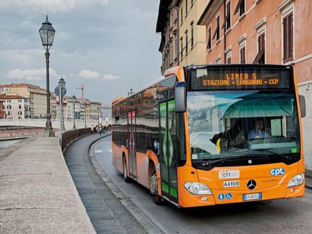 Como se locomover e andar em Pisa