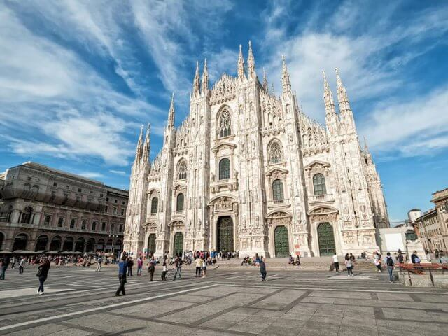 Como achar passagens em promoção para Milão