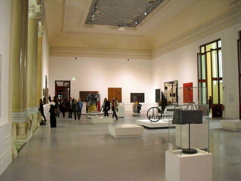 Peças expostas na Galeria Nacional de Arte Moderna em Roma