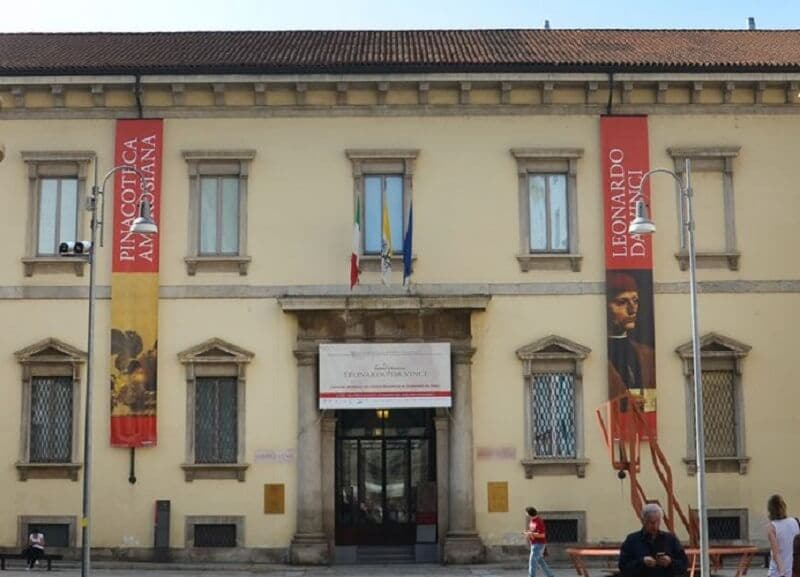 Fachada da Pinacoteca Ambrosiana