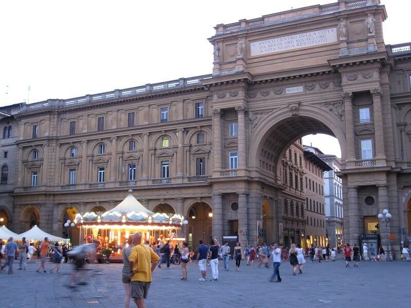 Carrossel na Piazza della Repubblica