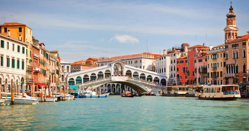 Ponte Rialto em Veneza