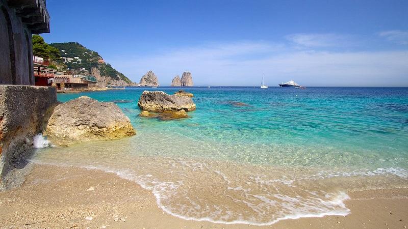 Praia Marina Piccola em Capri